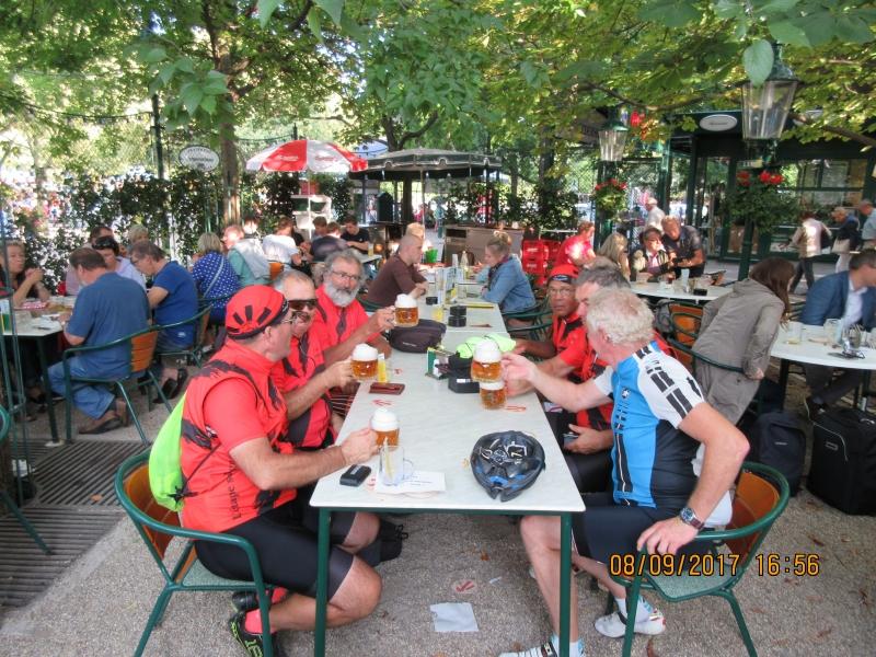 M4 Rencontre avec un cycliste Autrichien
