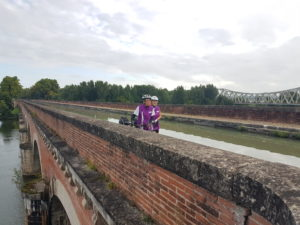 Au pont-canal du Cacor