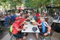 4 Rencontre avec un cycliste Autrichien