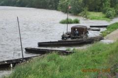 Photo de fûtreaux et d'une Toue cabanée sur la Loire