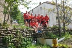 Bien canalisés, ce groupe d'aventureux comme ce filet d'eau réussissent le parcours des 1020 km