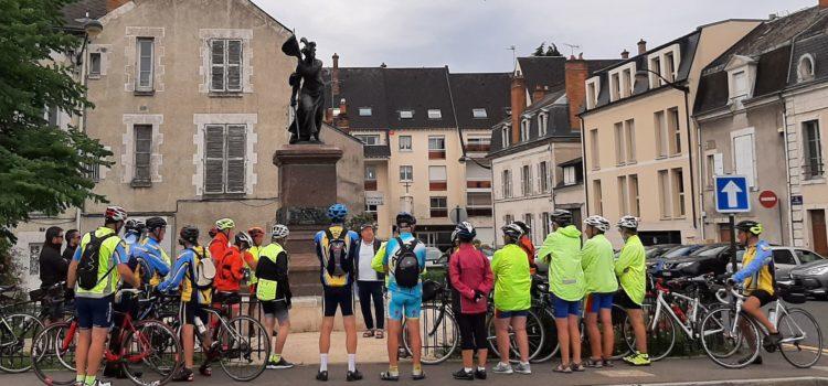 Les cyclos et Jeanne d'Arc aux fort des tourelles